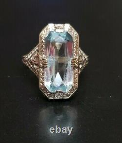 10k White Gold Estate Aquamarine Ring