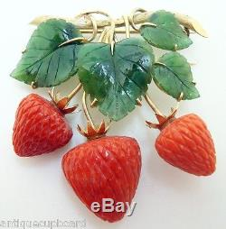 14K Gold Carved Jade and Coral Strawberry Brooch (#J3017)