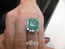18ct gold beautiful 1.80ct Diamond & 10ct Emerald large & heavy cluster ring, 750