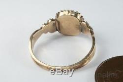 ANTIQUE GEORGIAN PERIOD ENGLISH 9K GOLD PEARL MOURNING LOCKET RING c1820