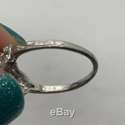 Antique Art Deco platinum diamond ring old European cut
