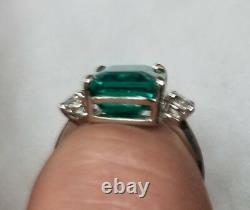 Gorgeous Vintage 14k White Gold Ring 7.80ct. Gem Colombia Green Emerald