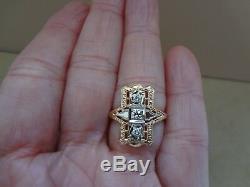 Lovely Vintage Art Deco 14k Yellow Gold Filigree Elongated 3 Stone Diamond Ring
