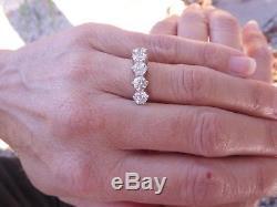 Stunning 5 stone diamond 2.07 carat 18 carat gold ring